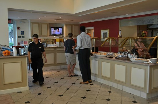 Hilton Garden Inn: Ontbijtbuffet