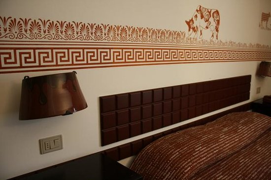 Etruscan Chocohotel: Finiture choco-etrusche
