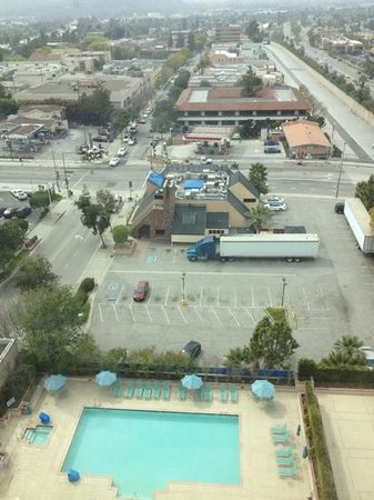 Hilton Los Angeles North / Glendale & Executive Meeting CTR: view from the 12th floor