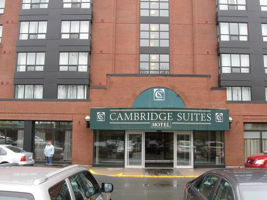 Cambridge Suites - Halifax: Front entrance