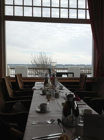Atlantic Grand Hotel Travemuende : Vista dal salone ristorante