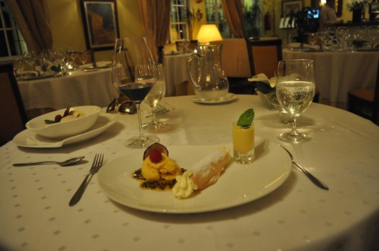 Pine Cliffs Residence, a Luxury Collection Resort: Dessert at Willie's