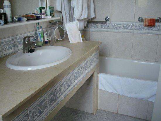 Club Vista Serena: voldoende ruimte voor je toiletartikelen