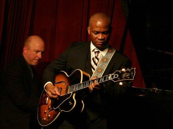 Smoke : Russell Malone Quartet featuring Richard Germanson, Gerald Cannon & Willie Jones III