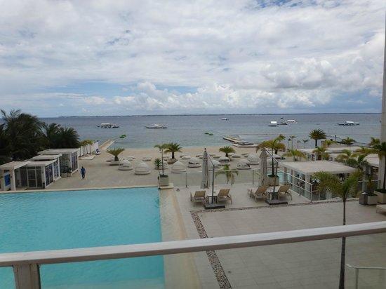 BE Resort, Mactan: Pool area