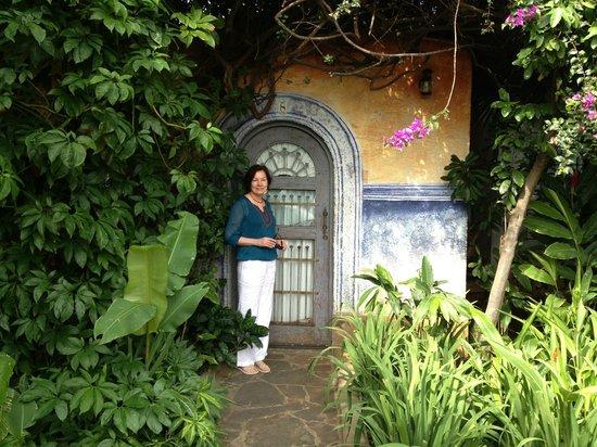 Hotel Casa Naranja: Door to hotel room