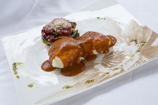Hotel Cortijo Chico: Lomos de Merluza en Salsa de Tomate a la Albahaca