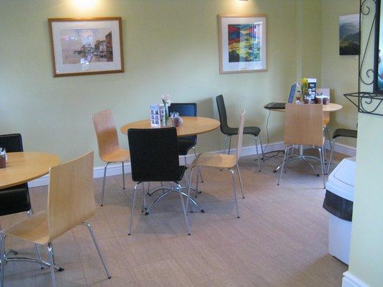 Pendre Garden & Craft Centre: seating area