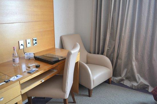Millennium Hotel Rotorua: scrivania