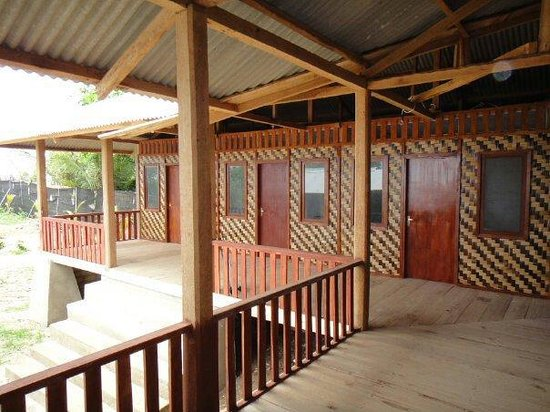 Jungle feet surf shacks 2017 prices reviews photos for Balcony hotel sukabumi
