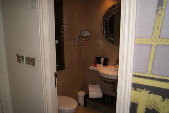 Hotel Indigo Glasgow: Shower 1