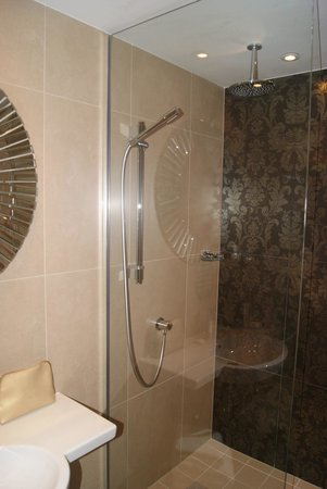Hotel Indigo Glasgow : Shower