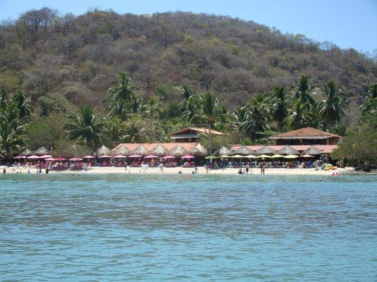 Julio's Tour & Fishing Guide Services : Beautiful Las Gatas beach and Otilla's Restaurant