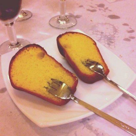 Pizzeria La Vera Napoli: Dessert: il babà