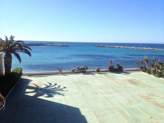 Palm Beach Hotel: vista dal parcheggio