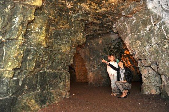 Les Boves Tour: A douze mètres sous terre