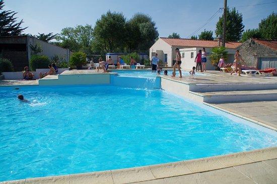 Camping la Rive : piscine