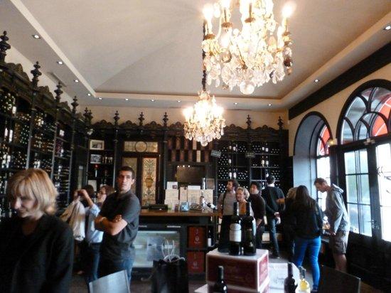 Château Pape Clément : Es la tienda del Chateu, donde venden y hacen la degustación de sus vinos