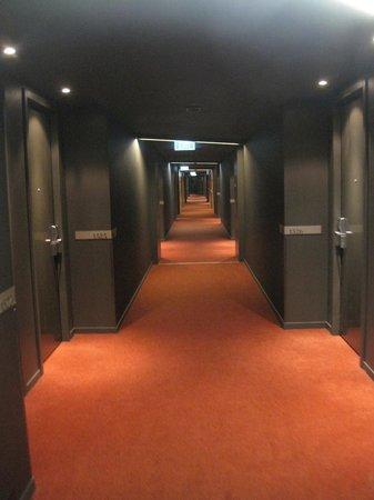 Hilton Melbourne South Wharf: Hallway