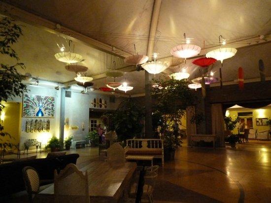 The Lafayette Hotel, Swim Club & Bungalows: Eingangsbereich
