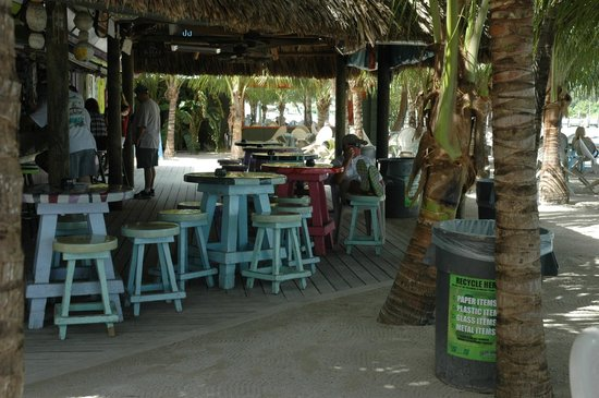 Square Grouper Tiki Bar Jupiter Inlet: Early in the am
