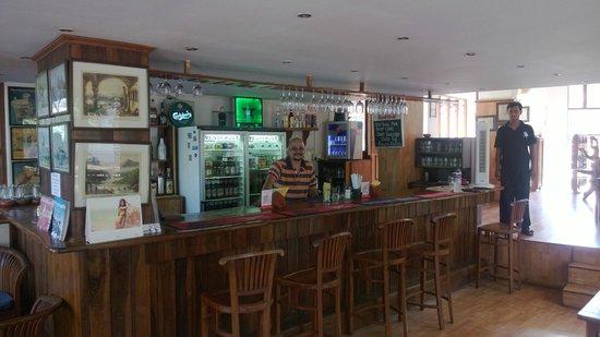Bardays Inn: bar,the happening place