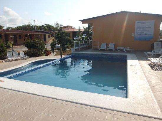 Hostal Villa Esperanza: Piscina