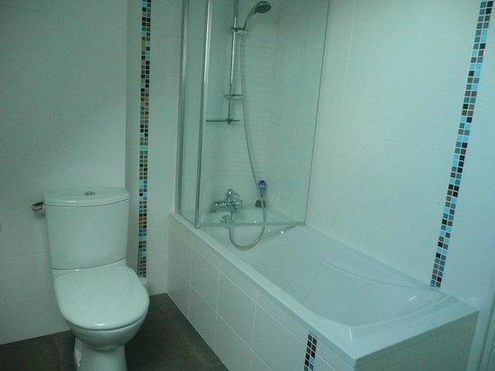 Les Tilleuls: Salle de bain