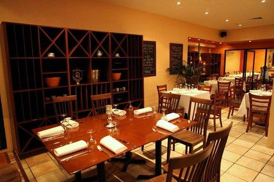 Araliya: Restaurant area