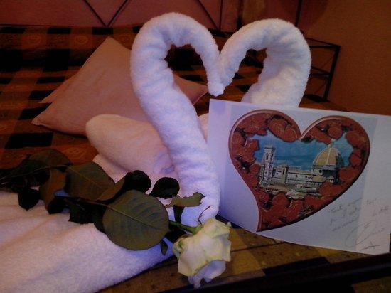 Ridolfi Guest House: la sorpresa dello staff x il nostro anniversario...