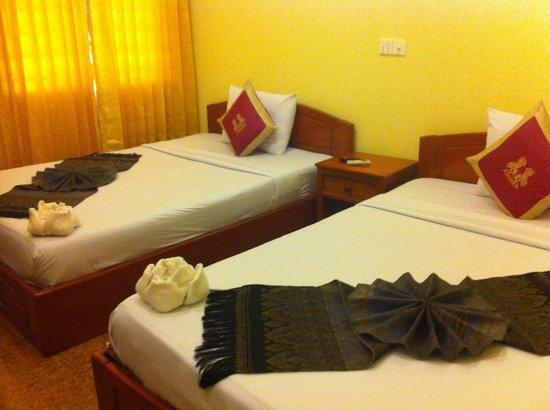 Makara Guesthouse : bed