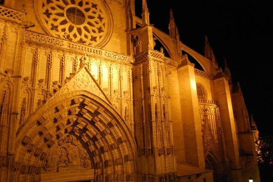 Puerta Catedral Suites: vue de notre appartement hotel , malgré la proximité de la cathédrale et du quartier , très calm