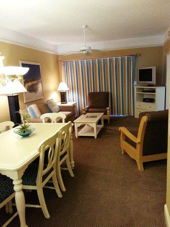 Sheraton Broadway Plantation Resort Villas: living room