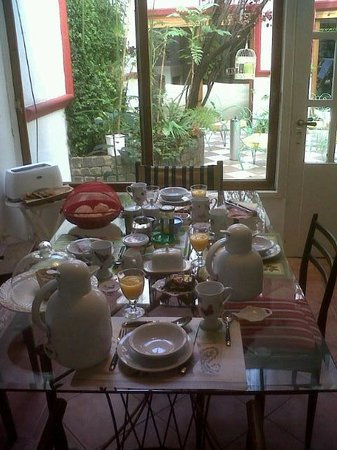 Chavi's Bed and Breakfast: Desayunador