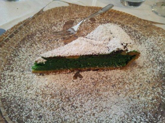 Antico Frantoio: Torta calda al Pistacchio