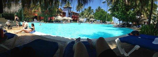 Tropical Princess Beach Resort & Spa: Piscine - PoolBar
