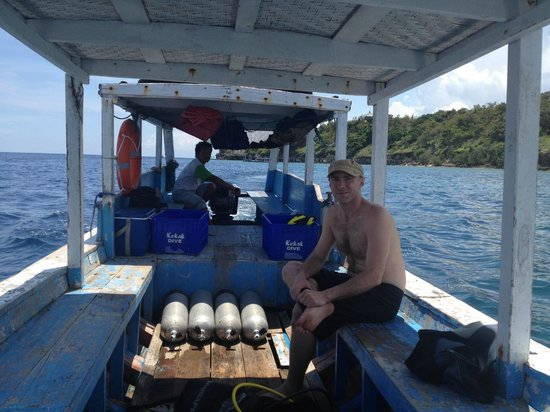 Kokak Dive Centre: boats - are public and provided by a local union.