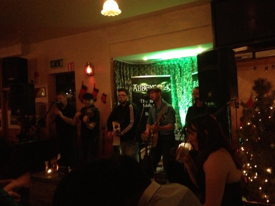Achill Island Hotel : Great bands in the bar