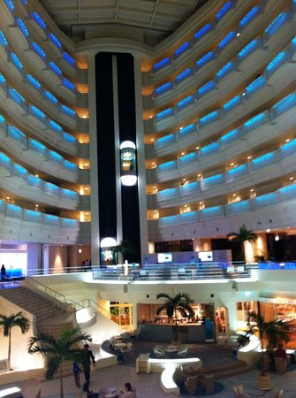 ANA InterContinental Manza Beach Resort: Inside