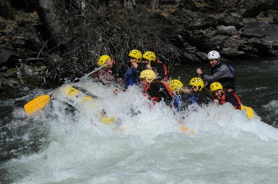 Rafting Sort Rubber River: Un buen remojón..