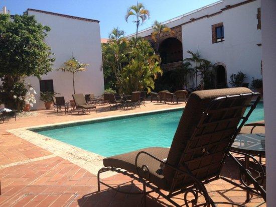 Hodelpa Nicolas de Ovando: piscine pres du bar