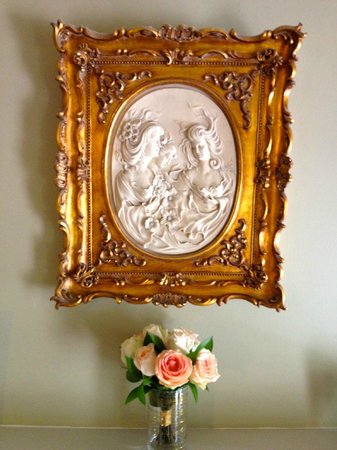 McKendrick - Breaux House: Beautiful artwork in Terpsichore