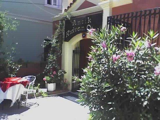 Antik Ridvan Otel : OTEL GİRİŞİ
