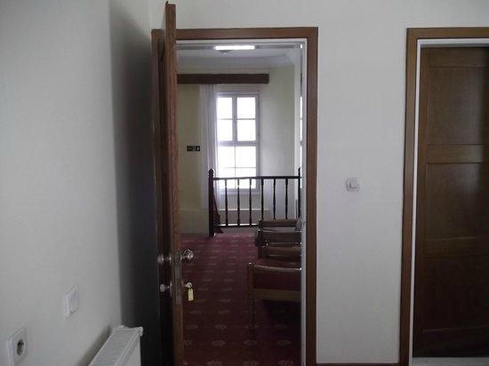 Antik Ridvan Otel: ODA VE KORİDOR