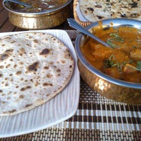 Baluchi's Bangkok: hot meals served everyday