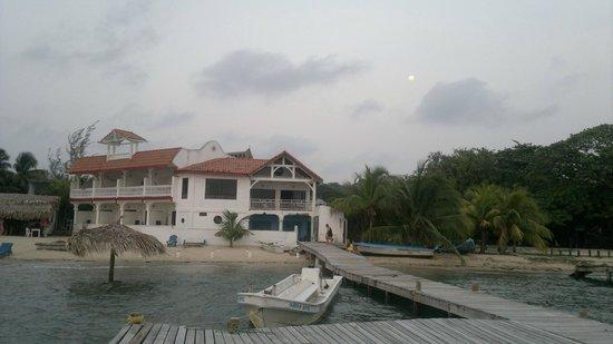 Sueno Del Mar Resort : desde la playa