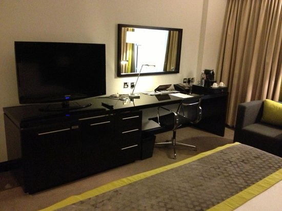 Pullman Dubai Creek City Centre: Habitacion