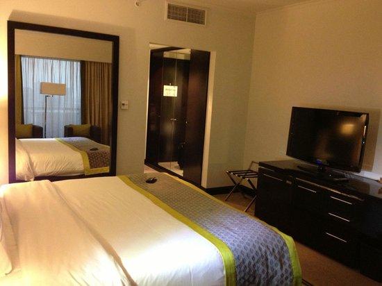 Pullman Dubai Creek City Centre: Cama muy cómoda