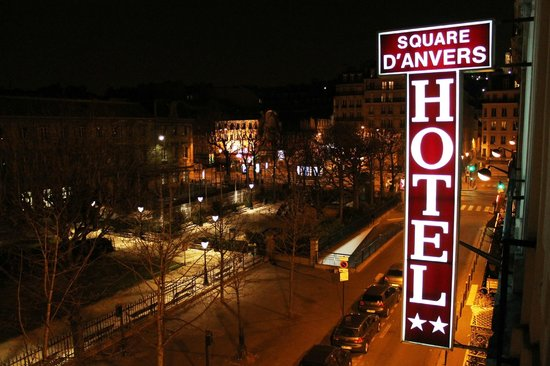 Hotel du Square d'Anvers: View from the room on 3rd floor
