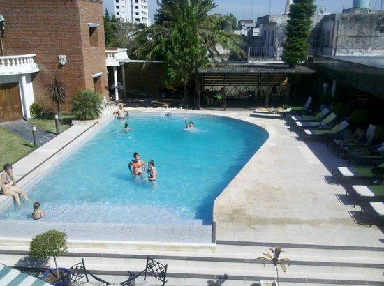 Hotel Yaguaron: Pileta